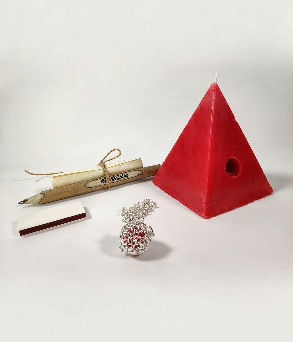 Vela Pirámide roja de los deseos